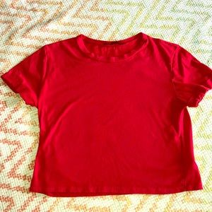 Tops - Classic cropped red tee